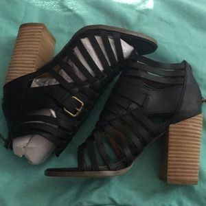 Report chunky heels - Size 6
